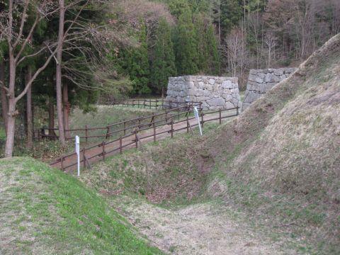 鴫山城空掘と大門跡