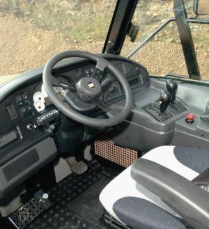 CATアーティキュレートダンプトラック03