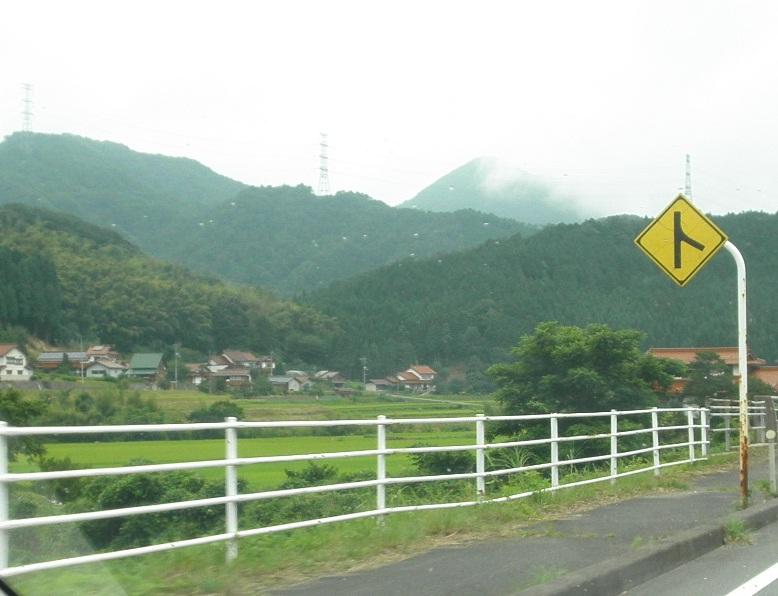 川本へ向かう道の城2