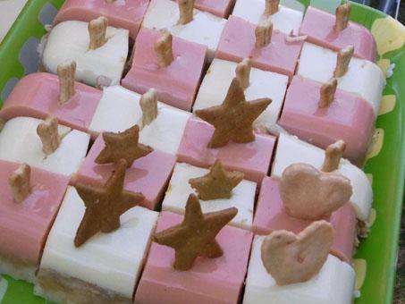 犬ケーキもかわゆい感じに