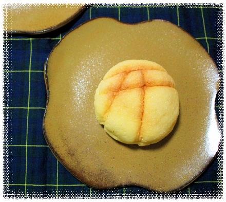 大鳥居柄のメロンパン