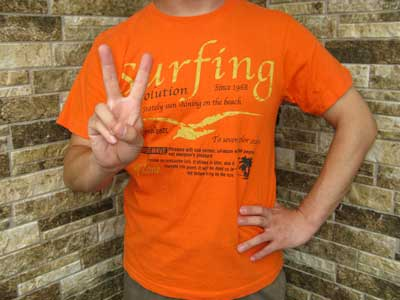 オレンジTシャツ