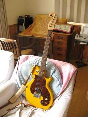 エレキギター黄色