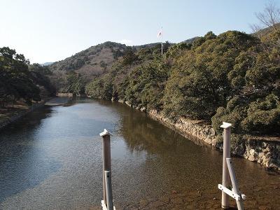 五十鈴川を渡ります
