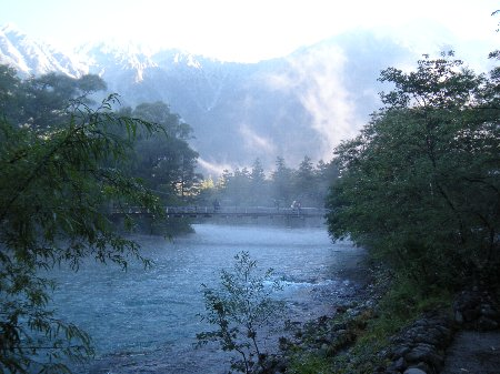 早朝の河童橋