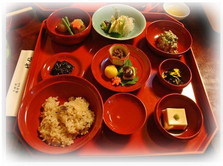 清涼寺内 竹仙 湯豆腐