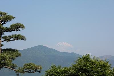 富士山がチラリ!