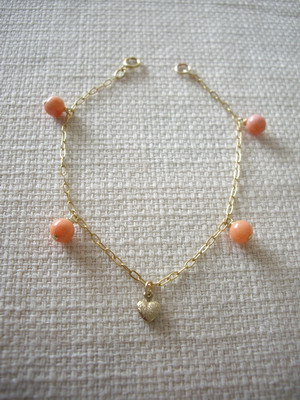 gem dangling bracelet