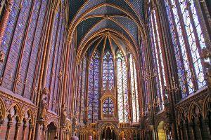 800px-Sainte_chapelle_-_Upper_level[1]