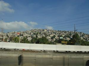 山の斜面の家々2