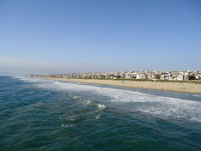 海岸の街並