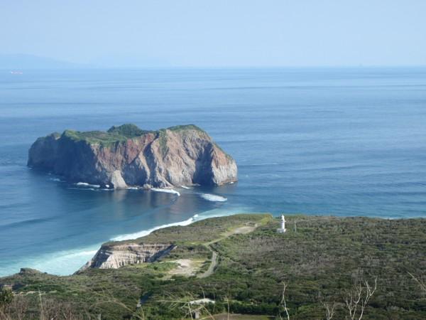 早島と新島灯台