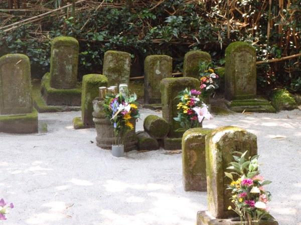 流人墓地2