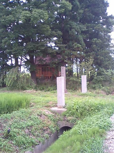 湯川の神社3