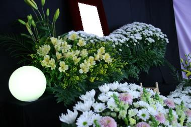 黄色花祭壇2