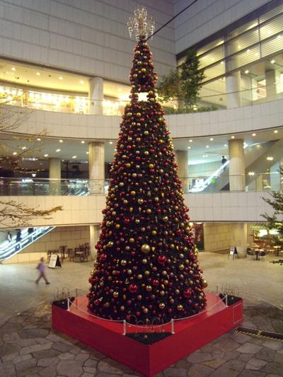 クリスマス・ツリーは点灯前
