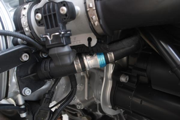 BMW R1200R 内圧コントローツバルブ