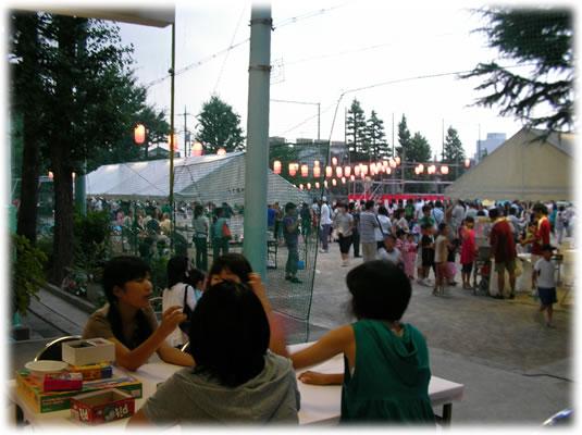 盆踊り2009@高円寺中学校:夕暮れ
